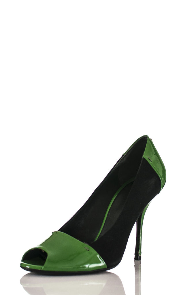 bb2bd84aed77 ... Gucci patent leather and suede pumps Size 7.5  20% OFF  - OWN THE ...