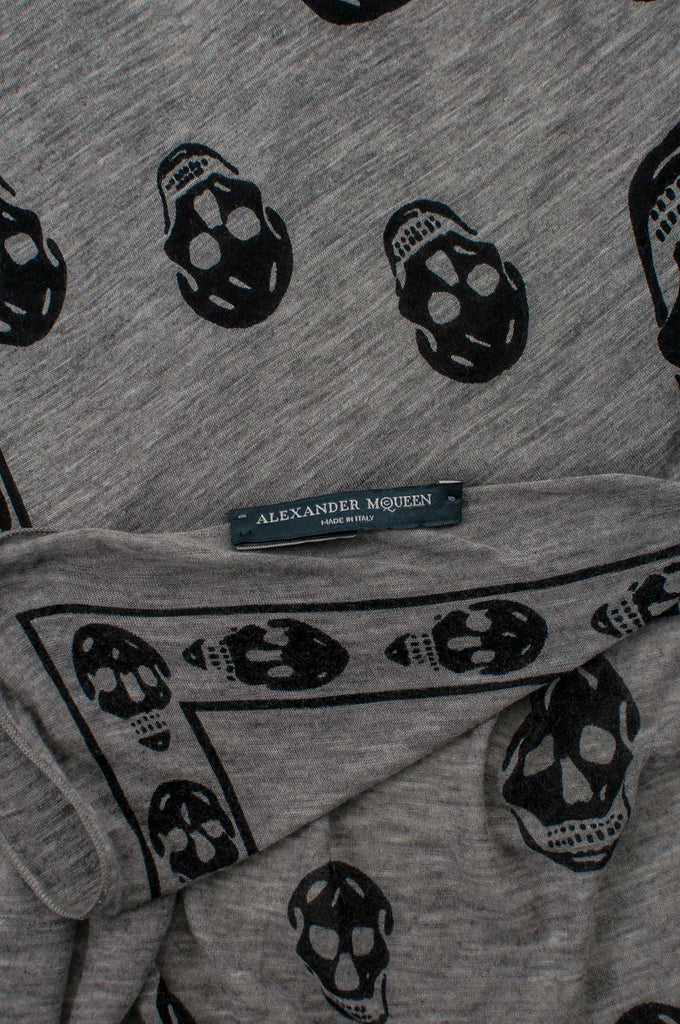 Alexander McQueen jersey skull logo scarf - OWN THE COUTURE