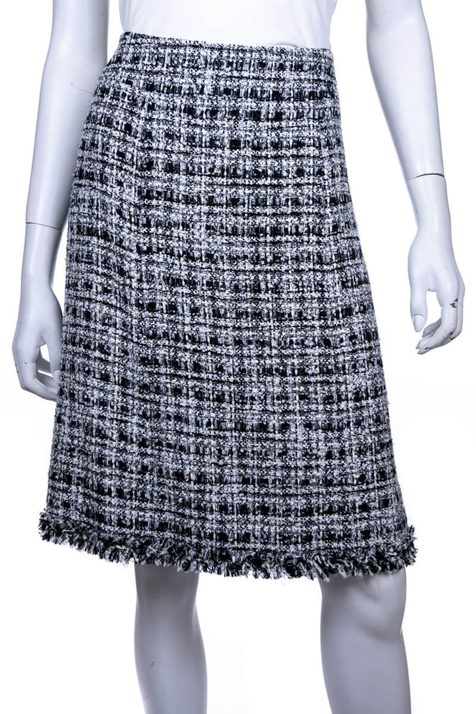 c913670c4 ... Chanel, Black, White and Grey Tweed Spring 2004 Skirt Size L   FR 42 ...