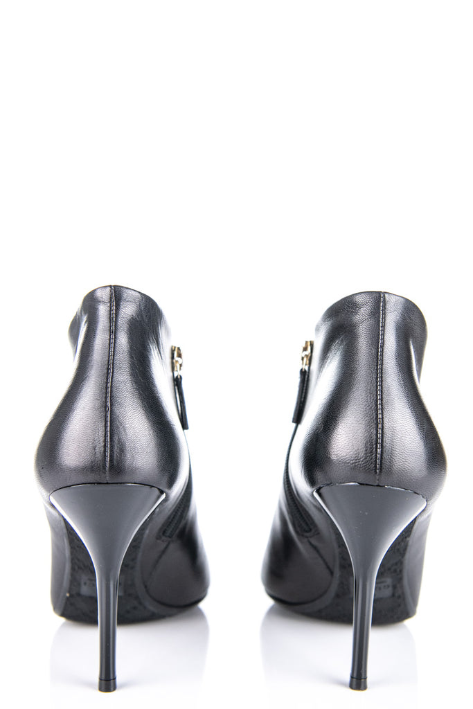 2ec58b11339b ... Gucci black leather ankle boots Size 8.5