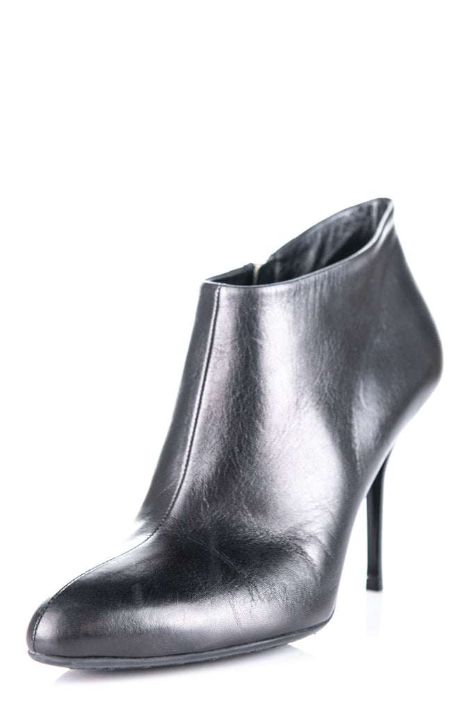 1bb47dd52 ... Gucci black leather ankle boots Size 8.5 | 38.5 - OWN THE COUTURE ...