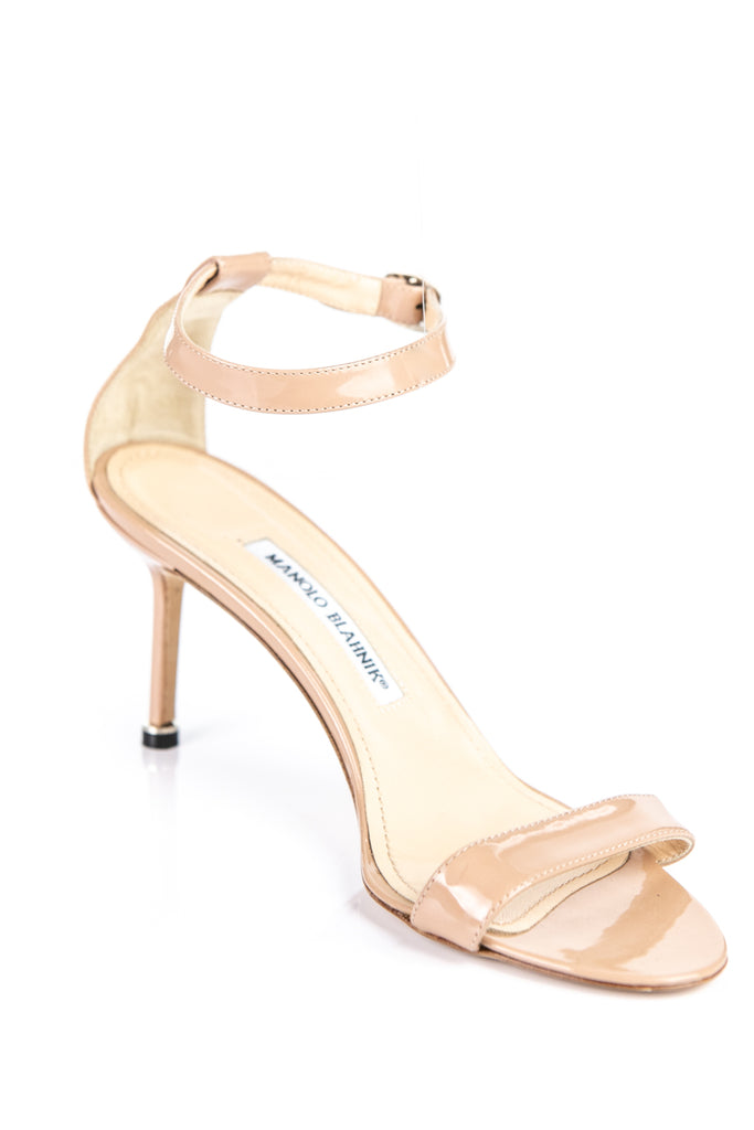 Manolo Blahnik nude patent leather Chaos sandals Size 8.5 | EU 38.5 - OWN THE COUTURE