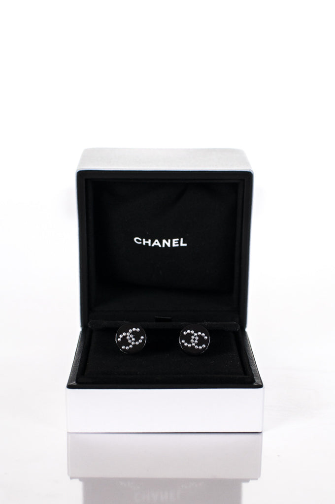 Chanel CC logo lucite earrings New - OWN THE COUTURE