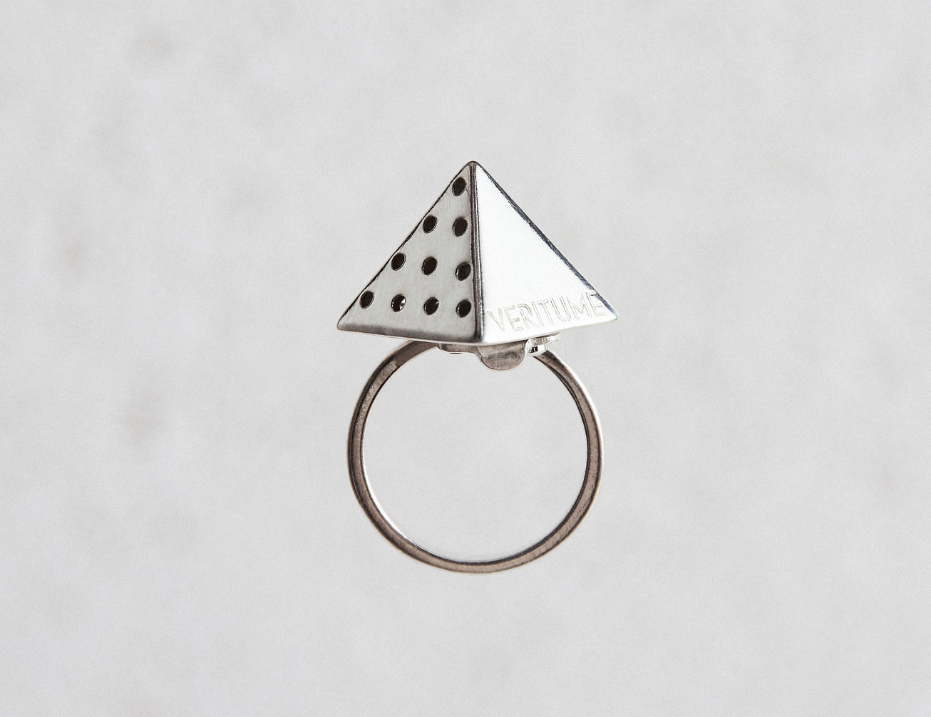Load image into Gallery viewer, Product picture of Veritume ring with white background