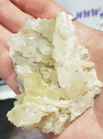 Specimens 067 Calcite and quartz formation