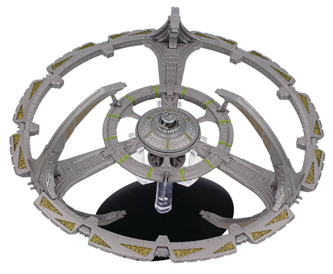 STAR TREK #17 DEEP SPACE NINE SPACE STATION MODEL