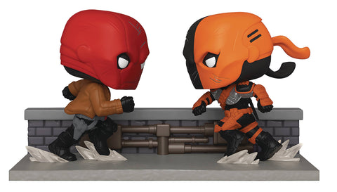 COMIC MOMENT DC RED HOOD VS DEATHSTROKE PX