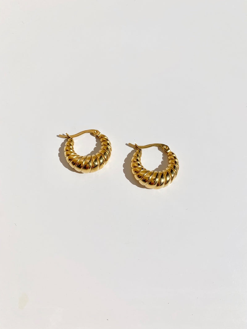 Gold-twist-hoop-earring-stainless-steel-plating