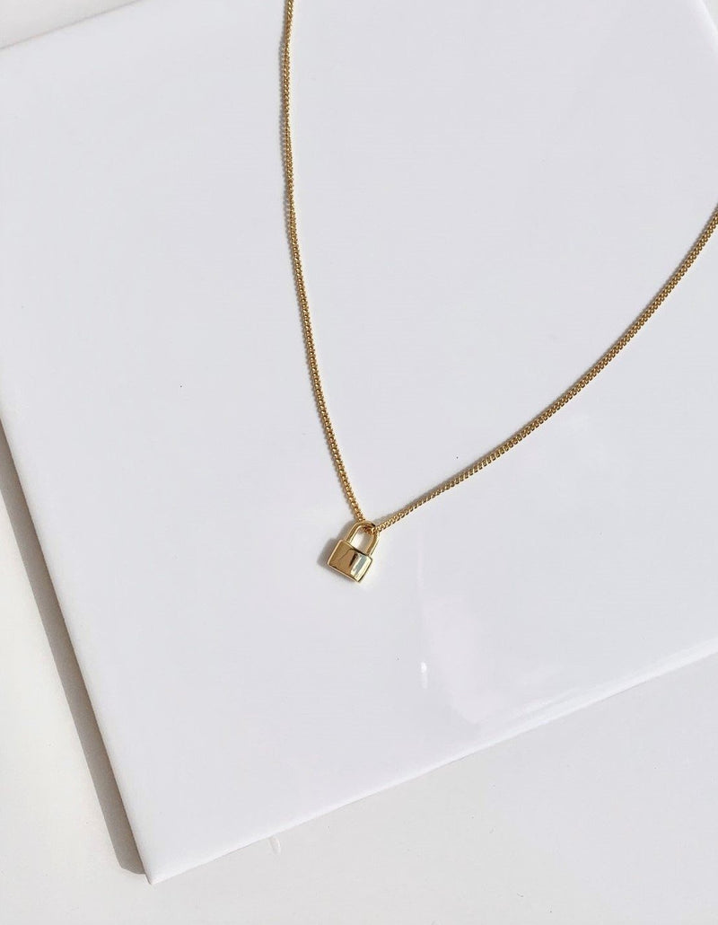 Gold-lock-necklace-925-sterling-silver-plating