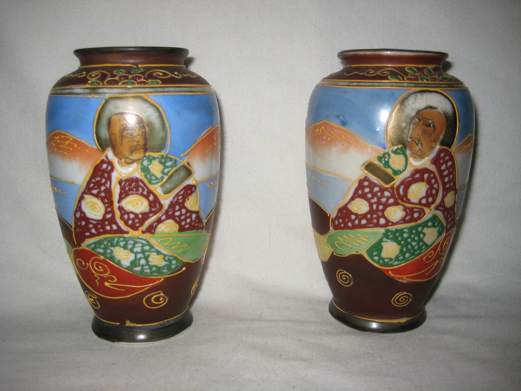 A pair of japanese hand painted ceramic vases one offs a pair of hand painted japanese ceramic vases reviewsmspy