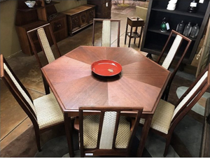 Mid-Century Modern Dining Room Table with 6 chairs.