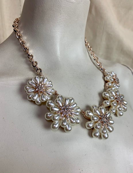 Retro Style Pearl Starburst Collar Necklace
