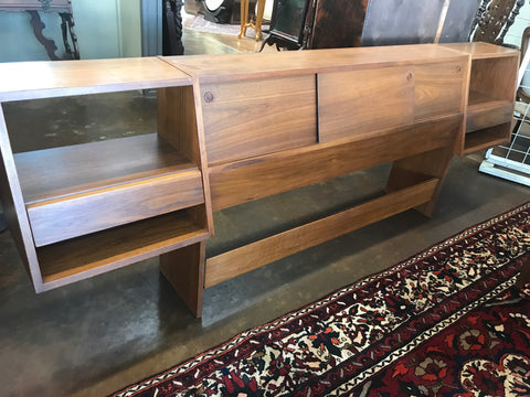 Mid-Century Modern w/ Attached Nightstands