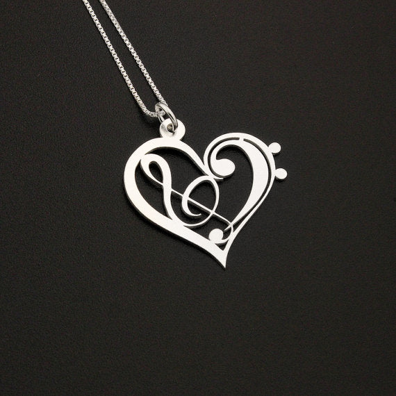 Heart-Snapped Pendant Necklace (Elegance At It's Best)