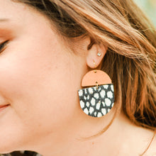 Load image into Gallery viewer, Spotted Black & Walnut Saddie Earrings