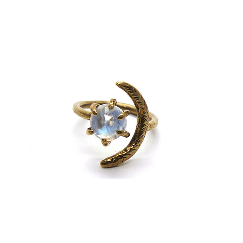 Io Ring // Moonstone