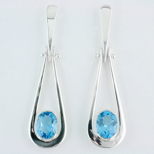 Swinging Teardrop Earring