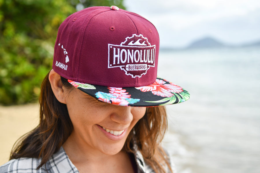 Flat Bill Black Hawaiian Print Hat (Maroon)