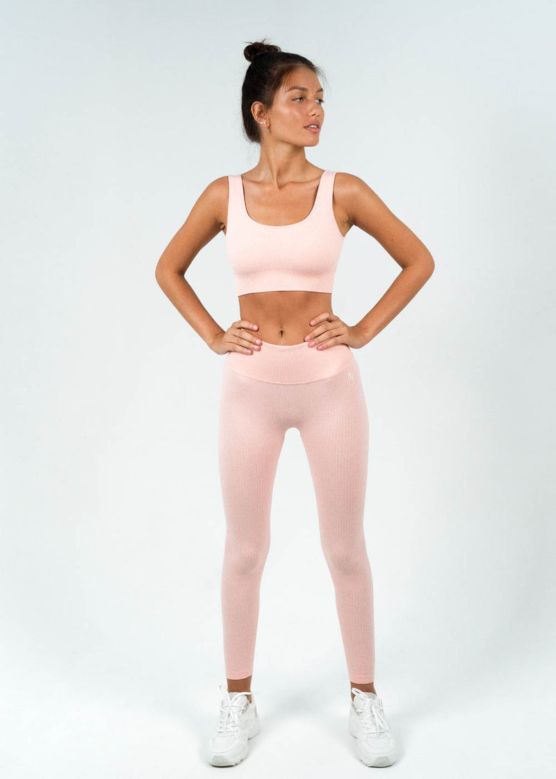 seamless ribbed sports top with leggings