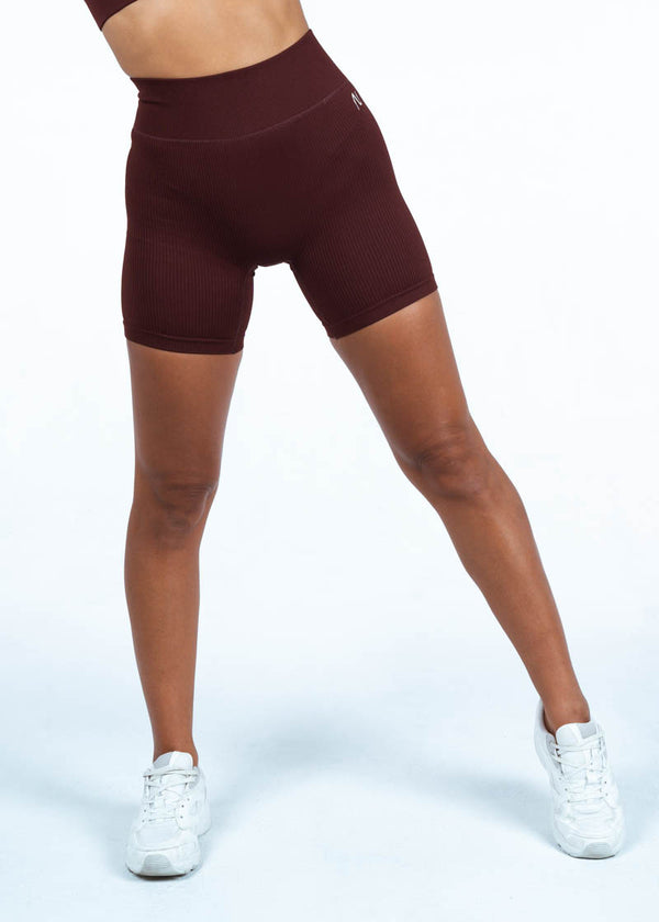 Ribbed Cycling Shorts In Burgundy