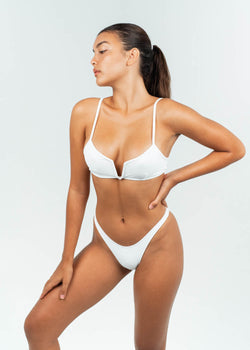 v White wire bikini top with high waisted bottoms