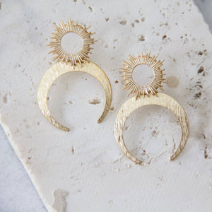 Load image into Gallery viewer, Sun and Moon Earrings