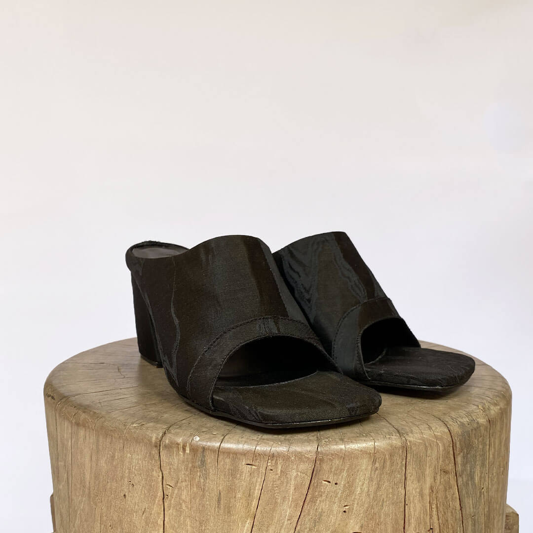 NEW! OBI SQUARE TOE MULE-Silky Black