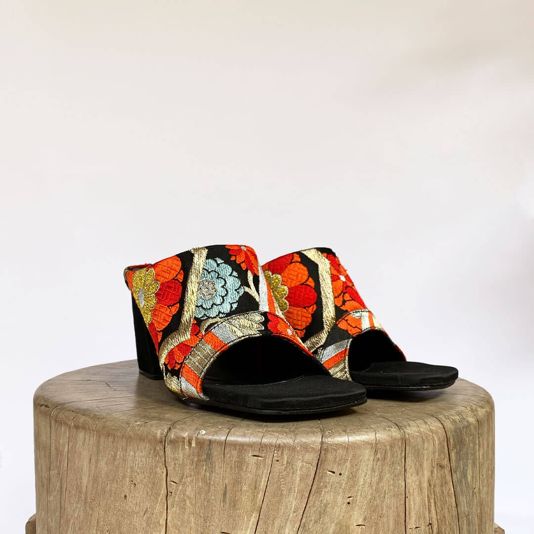 NEW! OBI SQUARE TOE MULE-Golden Black