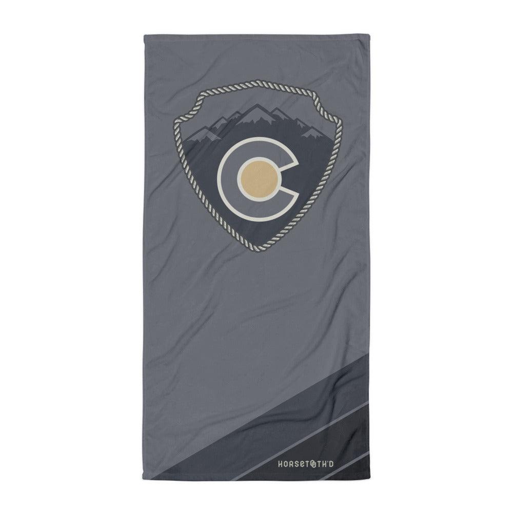CO Mountain Sign Beach Towel