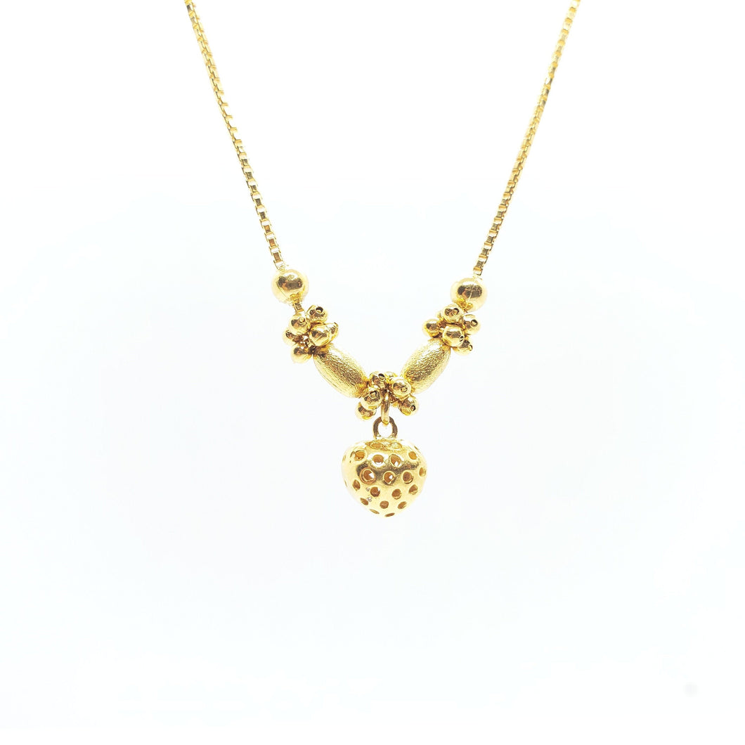 22Kt Yellow Gold Necklace Weigh 7 Grams with length 17 Inches