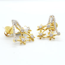 Load image into Gallery viewer, 22K  Beautiful Yellow Gold Cubic Zircon Star Design Earring Weigh 3.9 grams