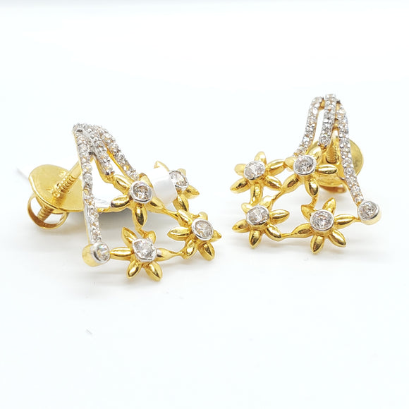 22K  Beautiful Yellow Gold Cubic Zircon Star Design Earring Weigh 3.9 grams - QueensDiamondandJewelry