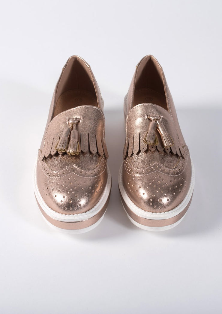 Champagne brogue with tassel detail