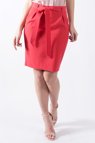 Mid length skirt in red
