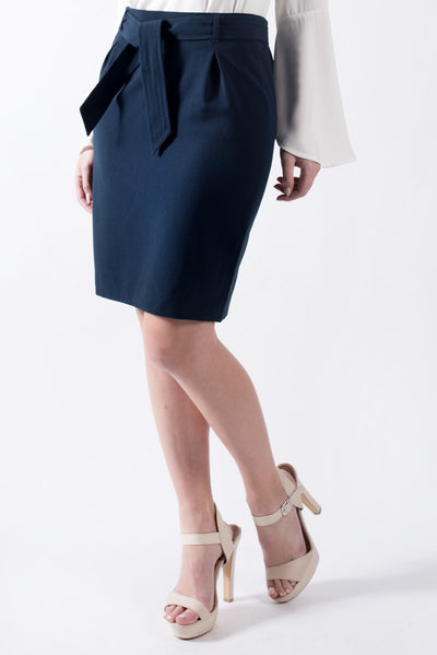 Mid-length skirt in navy