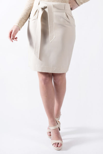 Mid-length skirt in cream