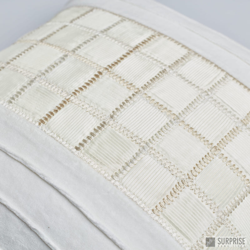 Surprise Home - Checkered Cushion Covers (Ivory)