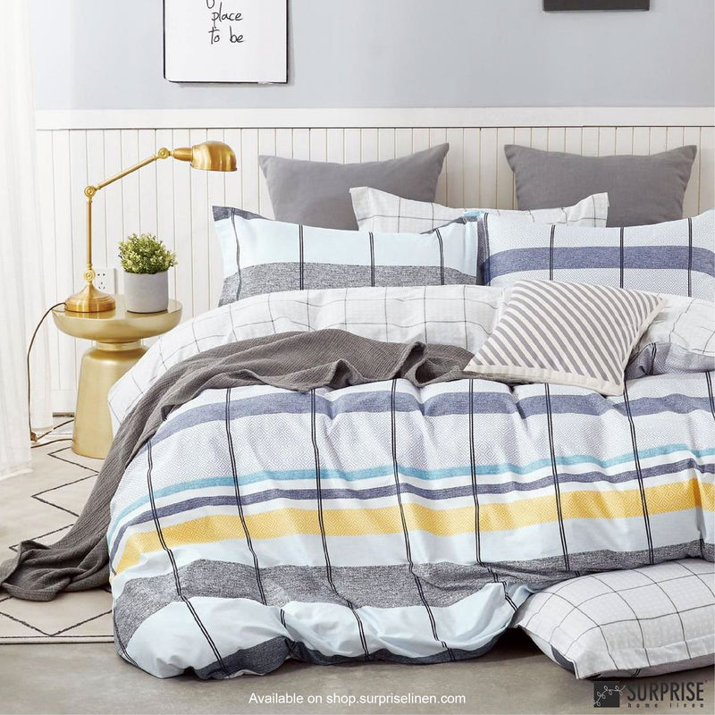 Essentials by Surprise Home - Geometric (Checkered White & Blue) Bed Sheet Set