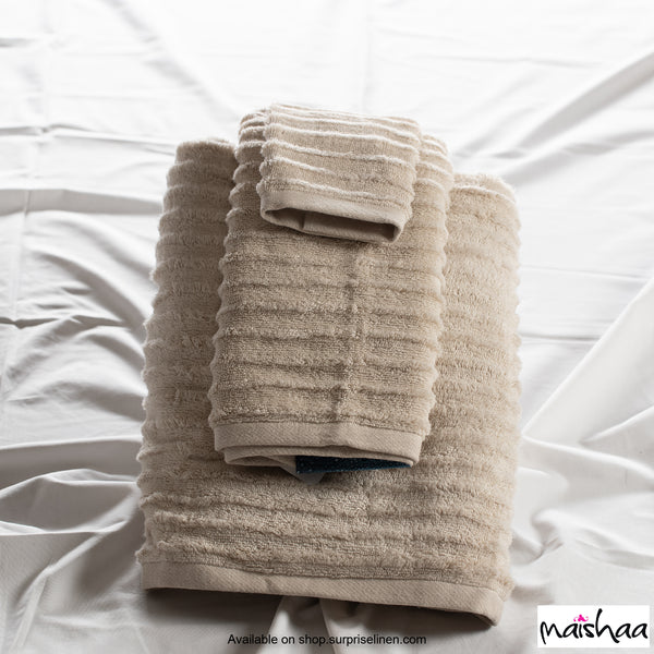 Maishaa - Airdrop Collection Desert Palm Bath Towel
