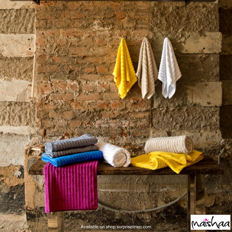 Maishaa - Airdrop Collection White Bath Towel