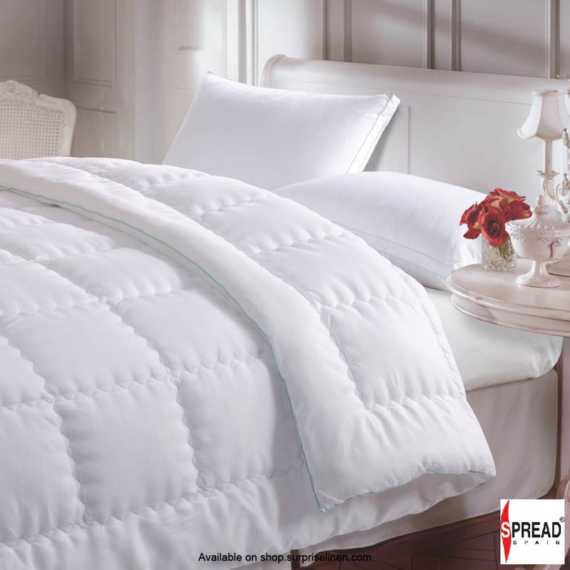 Spread Home - Aloevera Gel Coated Premium Ultra Soft All Season Quilt