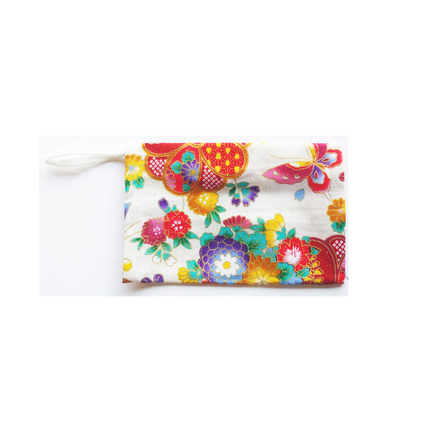 White Storage Pouch, Flowers