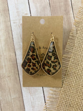 Load image into Gallery viewer, Jorden Earrings