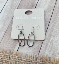 Load image into Gallery viewer, Olivia Earrings