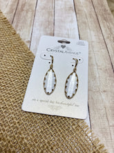 Load image into Gallery viewer, Carin Earrings