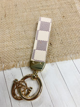 Load image into Gallery viewer, Fashionable Key Chains