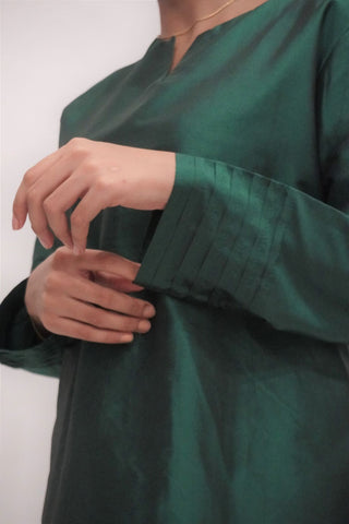 Kurung by MEK (Defect) in Green (L)