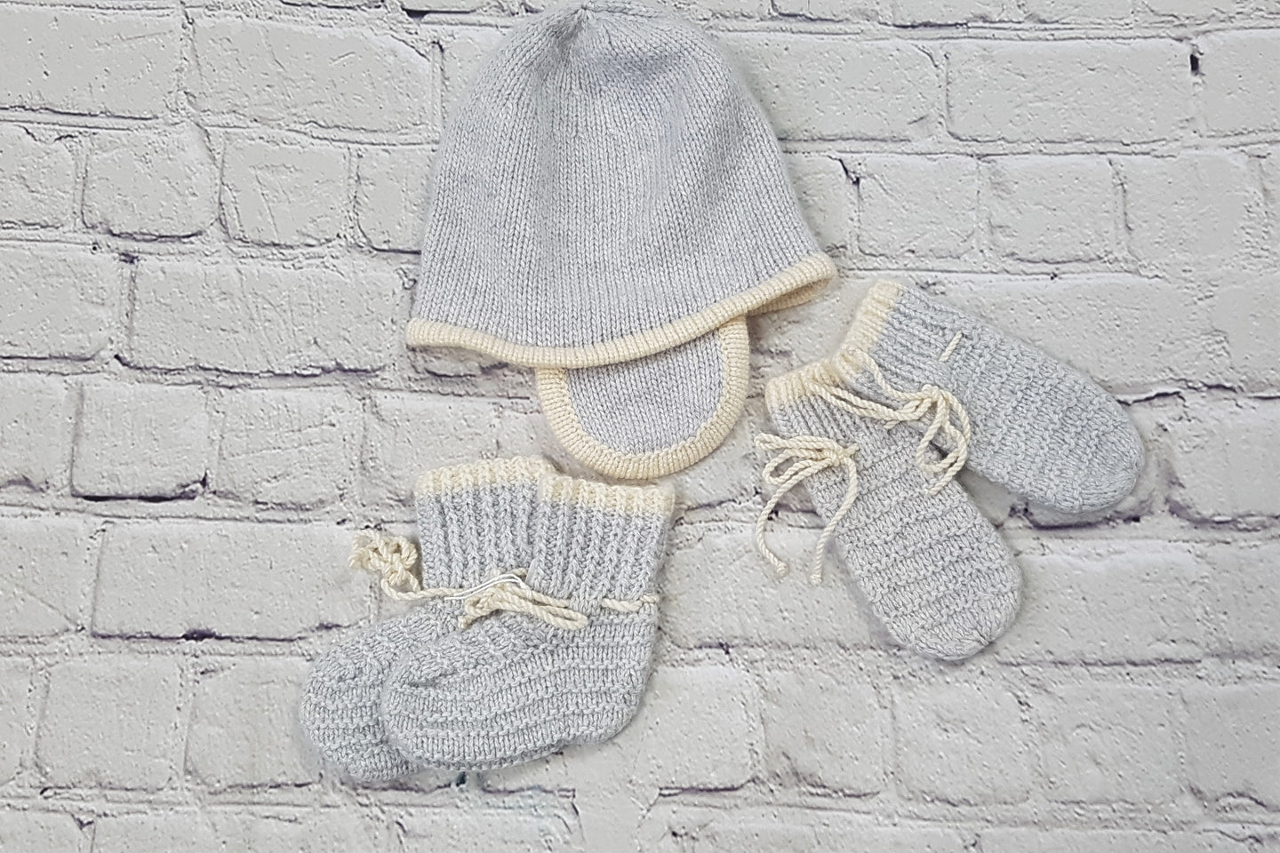 Cashmere set 0-6m boy or girl
