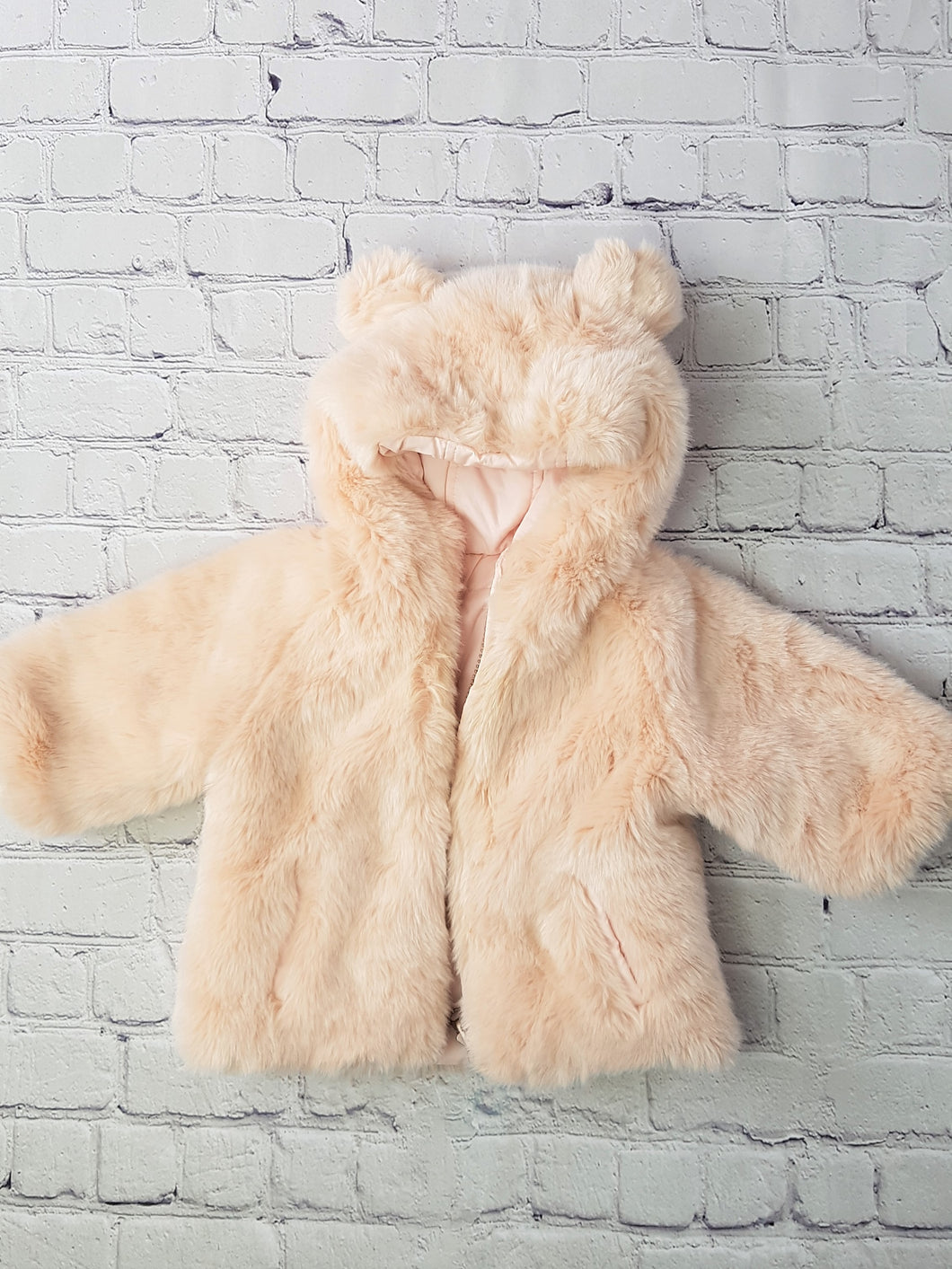 fur coat pink baby 3 mois manteau en fourrure rose bebe 3 mois family affaire occasion vetement bebe