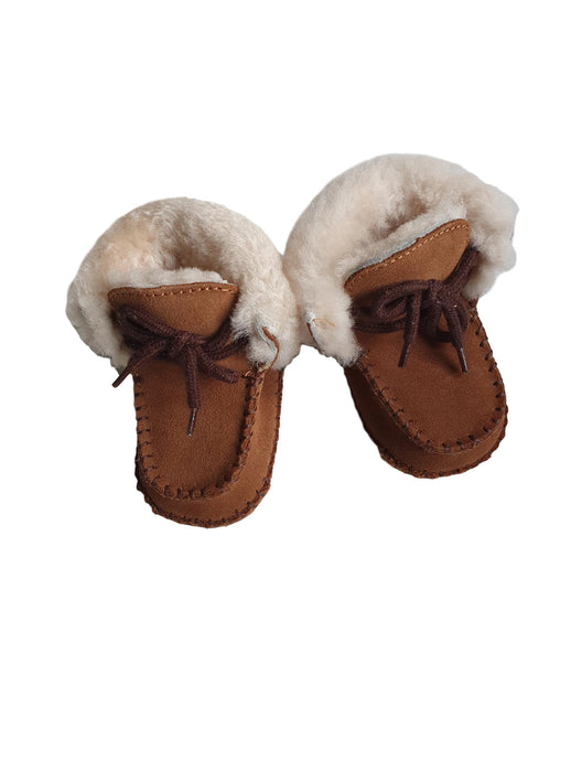 UGG boy or girl shoes p.16